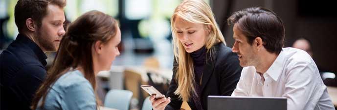 مشتریان و درآمد پایدار